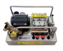 Zafukovačka optických kabelů typ NEMSAT, pásový posuv s reg., 4 motory, s lubrikátorem